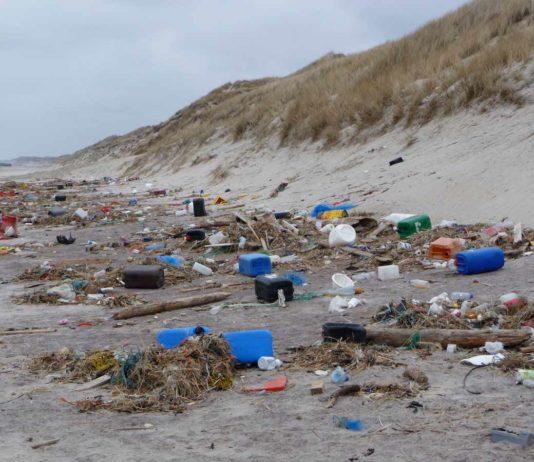 Affald på den jyske vestkyst (foto: Kimo/Plastic Change)