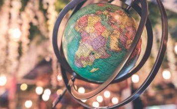 Antik globus (foto: Artem Beliaikin)
