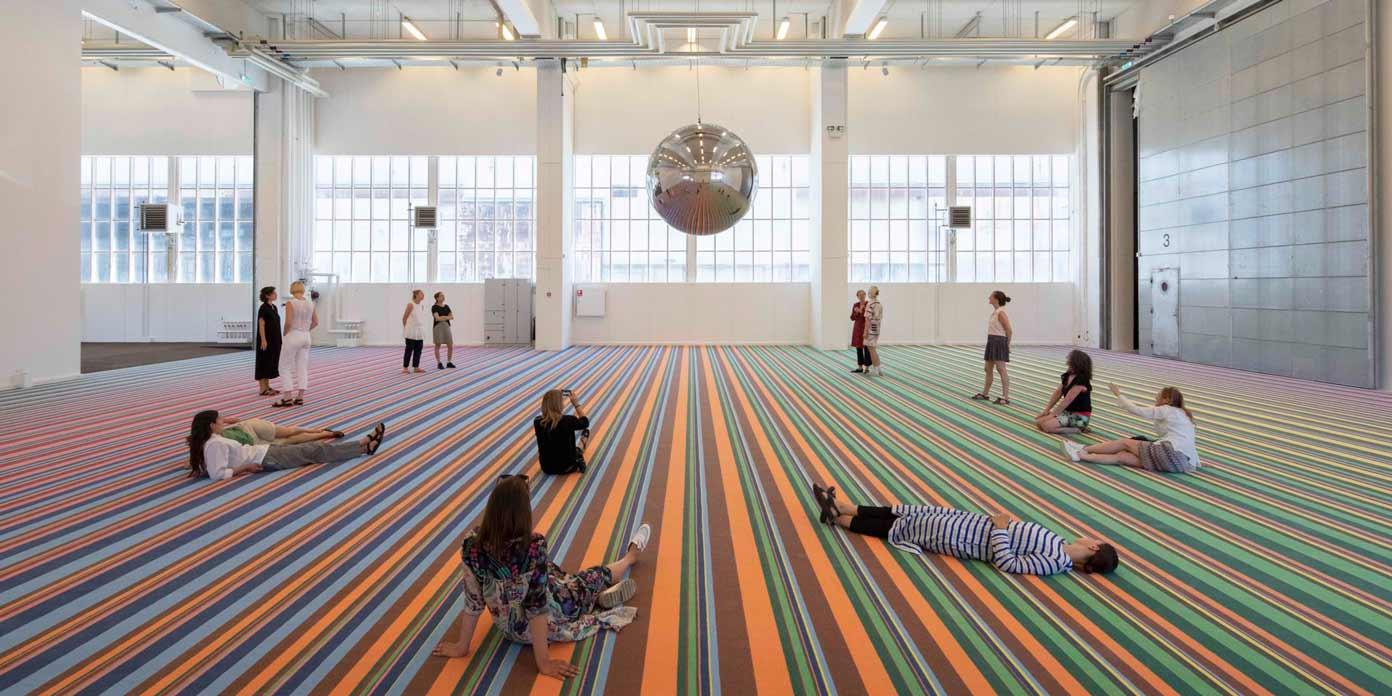 Superflex: One Two Three Swing! Copenhagen Contemporary, 2018 (foto: Anders Sune Berg).
