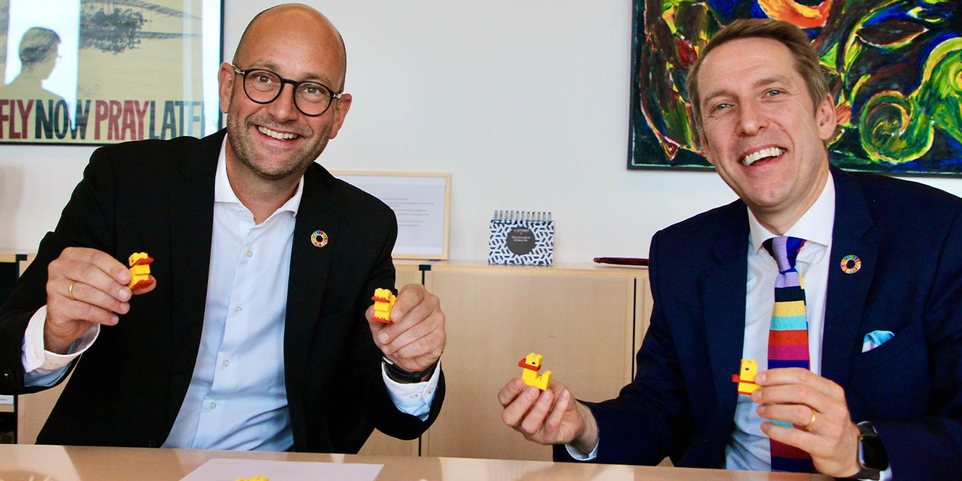 Rasmus Prehn og John Goodwin (foto: Lego Fonden)